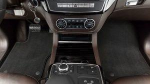 Glavne prednosti tekstilnih tepihov za avto